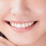 歯を見せた笑顔、引きつって損してませんか?美しい笑顔に必須のシンメトリーとは?